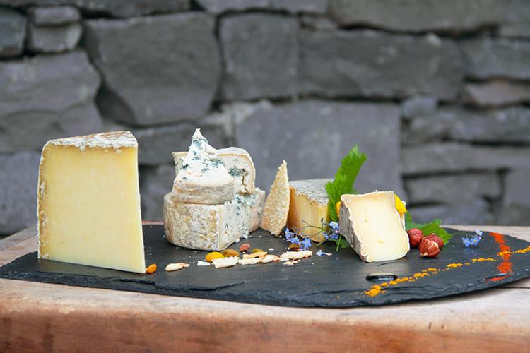 Plateau de fromages- Auberge Les Mancelles - le Puy-de-Dôme